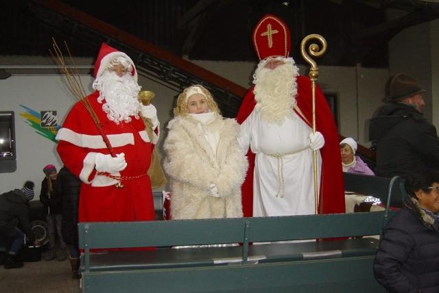 Krampus, Engel, Heiliger Nikolaus auf Kutsche